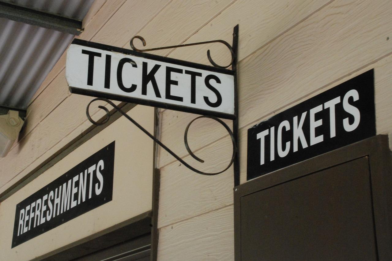 Bilet do komunikacji miejskiej - kto płaci mniej?